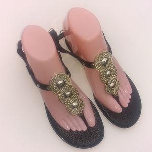 BANDOLINO Women's Flat Jelly Sandals Thongs Sz 6M